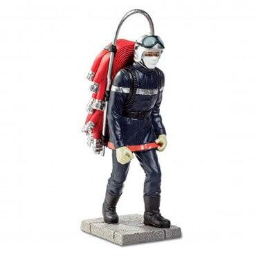 Figurine Pompier portant...